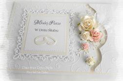 Pamiątka ślubna w bieli w pudełku #2