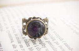 Retro pierścionek, malowane szkło - czarny