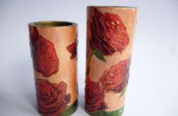 Swieczniki drewniane z różanym motywem