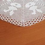 szydełkowa serweta w zajączki biała