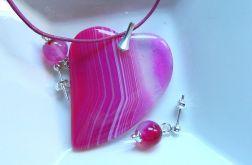 Różowe serce z agatu, wisior i kolczyki