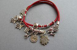 czerwone bransoletki