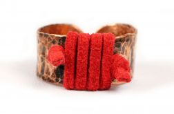 Miedziany pierścionek z rzemieniem czerwonym