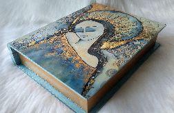 księga-szkatułka z niebieskim aniołem spokoju