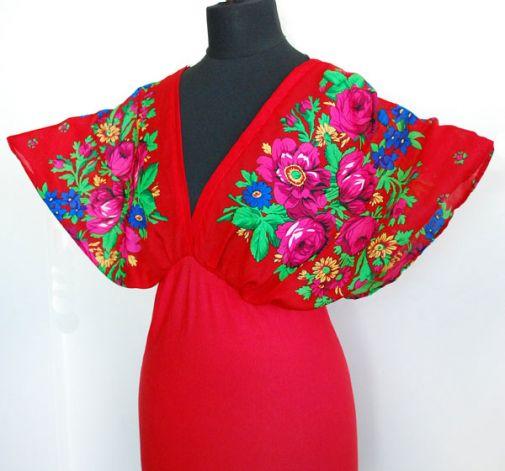 Czerwona kimonowa bluzka w kwiaty
