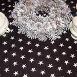 Obrus czarny w białe gwiazdki