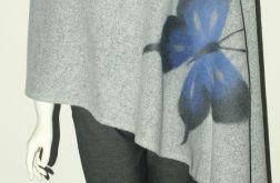 Szal wełną zdobiony motyle