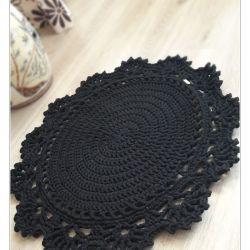 Dywan z koronką (70 cm)