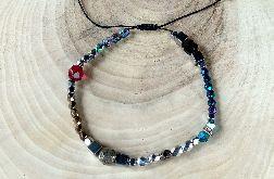 Bransoletka sznurkowa z kamieniami i kryształkami