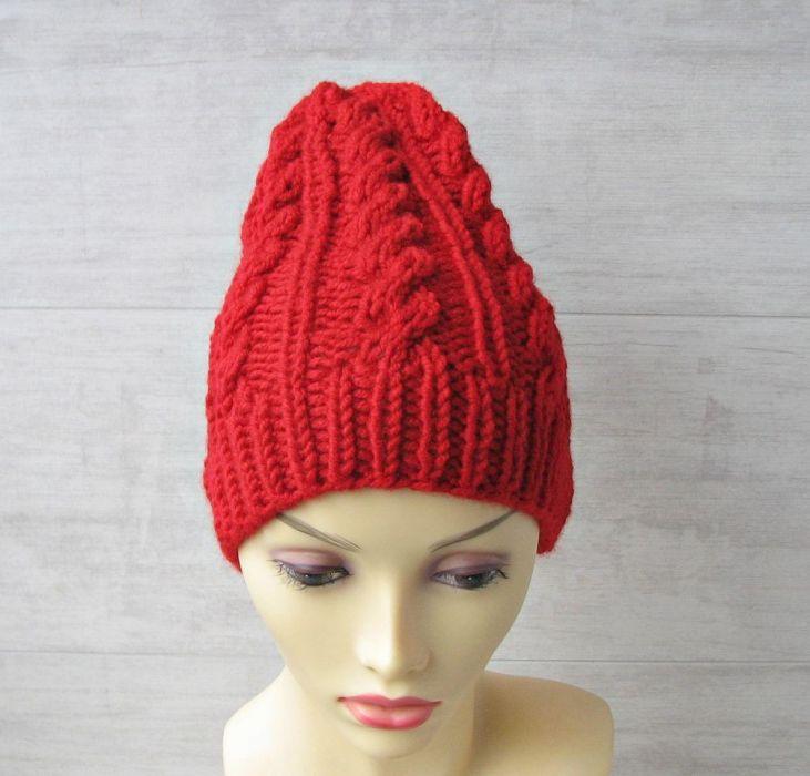 Czapka w warkocze czerwona - czapka zimowa