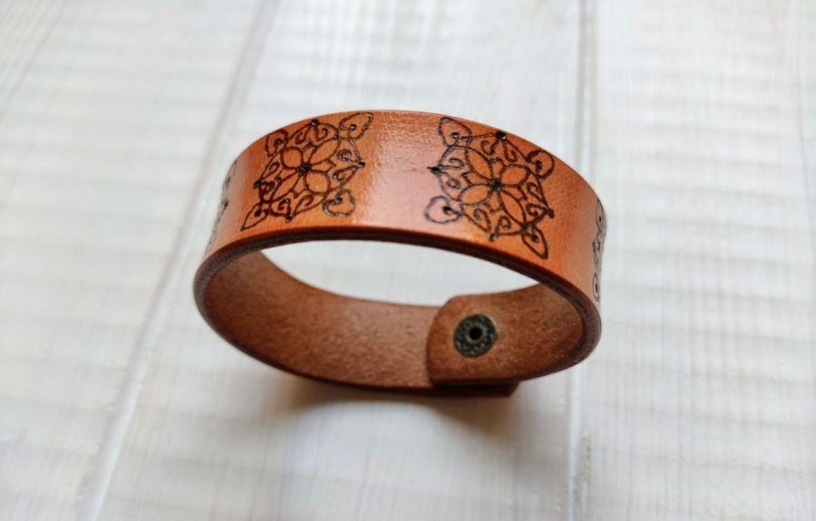 Skórzana bransoletka wzór 2