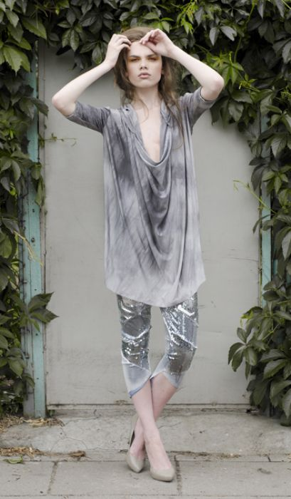 Bluza oversize srebna / Oversize silver hoodie