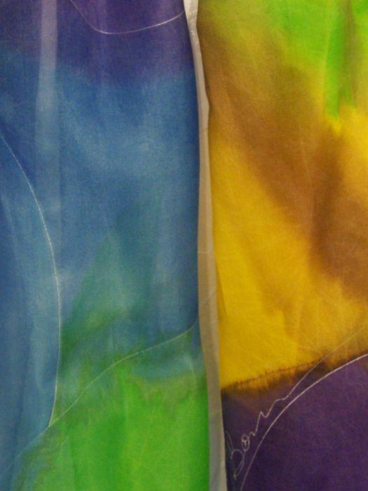 Obszerny jedwabny szal abstrakcja