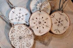 ŚWIĄTECZNE BOMBKI drewno + pirograf + sznurek