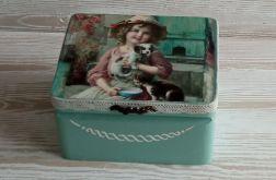 Pudełko z dziewczynką
