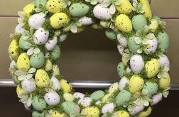 Wianek wielkanocny z jajek