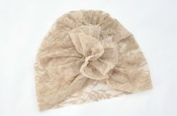 Turban, czapka z koronki beżowa