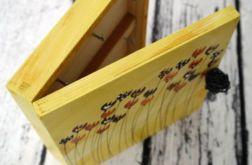 żółte pudełko na klucze z tulipanami