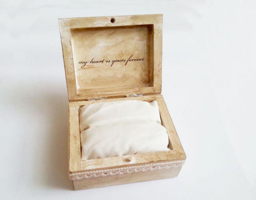 Patynowane pudełko na obrączki