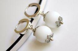 Kolczyki srebrne bigle + agat biały