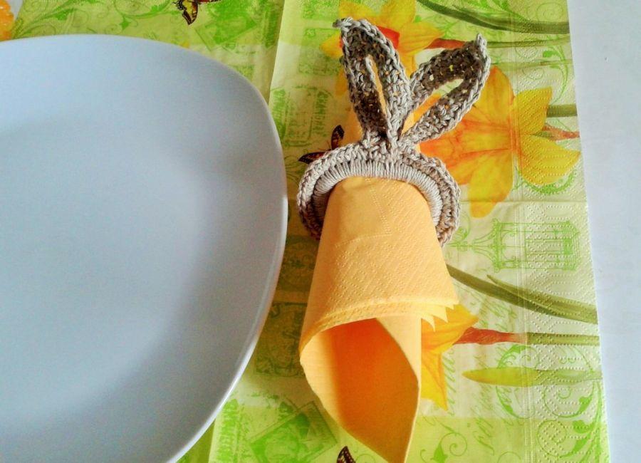 Obręcze na serwetki z zającami