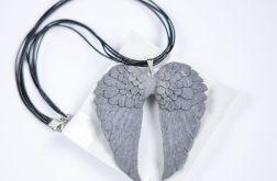 Anielskie skrzydła naszyjnik
