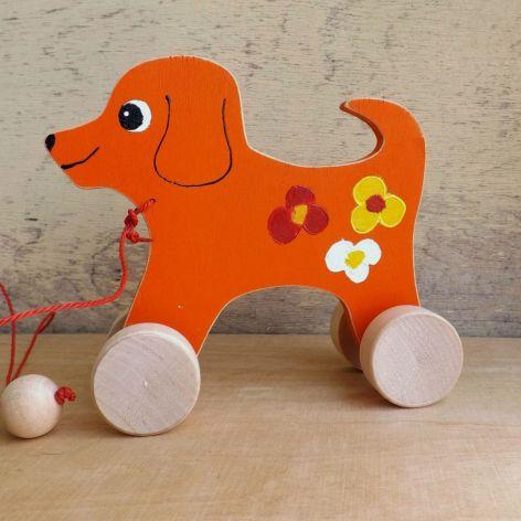 Drewniany piesek do ciągania, pomarańczowy