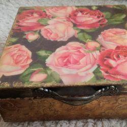 Urodzinowy prezent - złocone pudełko