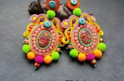 Kolczyki Mega kolor z pomponami