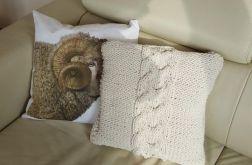 Poduszka z jednym warkoczem