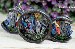 Dwustronny komplet biżuterii z motywem miasta, gór