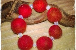 Filcowa czerwień + opale