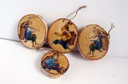 Uciekające zajączki na drewienkach