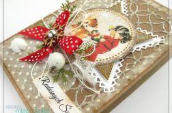 Kartka świąteczna z dziewczynką i sarenką