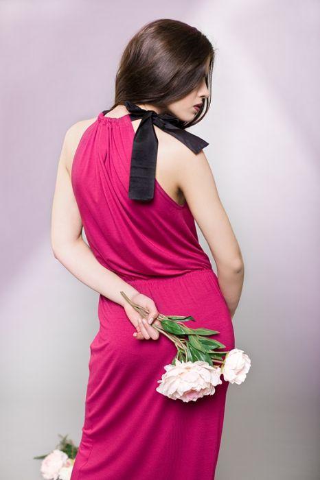 Długa sukienka z kokardą
