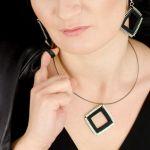Designerski komplet biżuterii czarne kwadraty