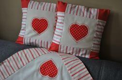 Komplet - czerwone serca = 2 poszewki i obrus