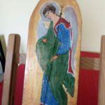 Anioł -Gabriel na desce - zblizenie boczne