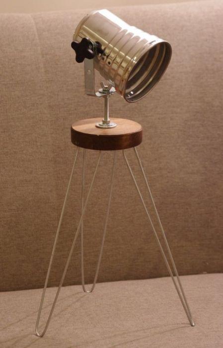 Lampka biurkowa tripod metal