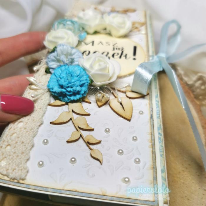 CZEKOLADOWNIK pudełko na małą czekoladę - idealny na tradycyjną czekoladę 100g prezent na roczek - czekoladownik