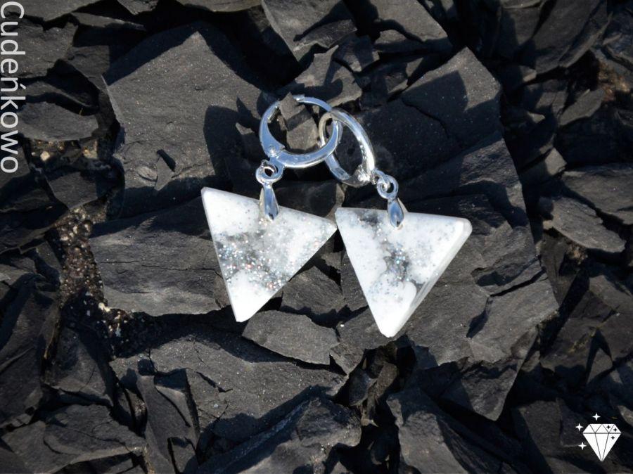 Zatopki trójkąty białe