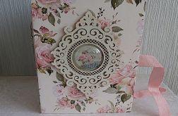 Album w pudełku