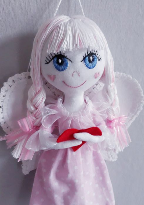 Anioł z sercem na dloni - Angel