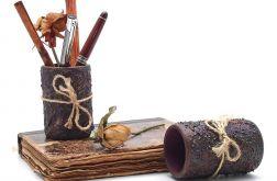 Drewniany kubek Przybornik