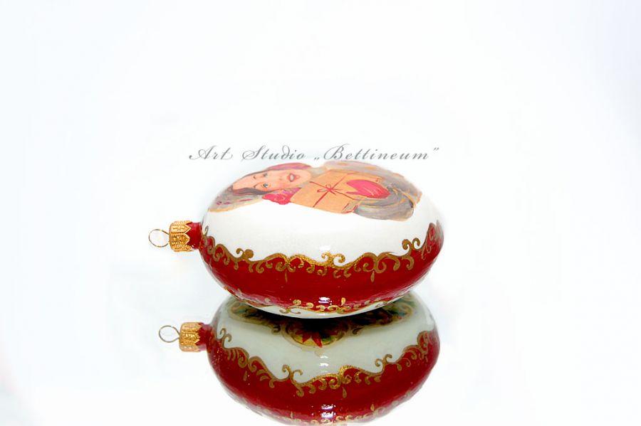 Bombka medalion z motywem wiktoriańskim