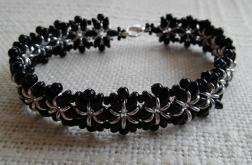 Srebrno czarne kwiaty