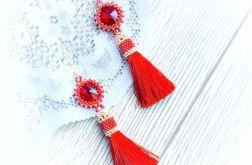 Czerwone eleganckie kolczyki chwost