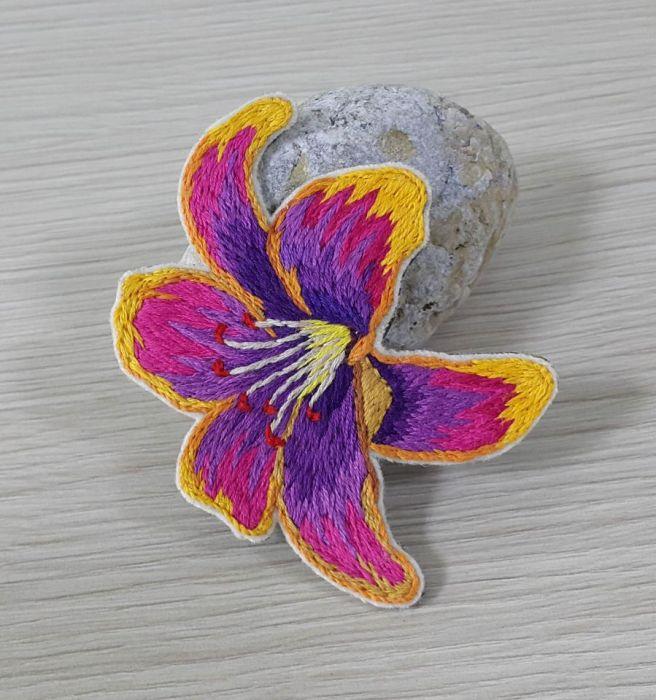 Broszka haft orientalna orchidea
