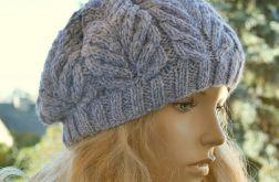 Szaro-niebieski beret w przeplatanki