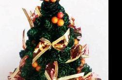 Bożonarodzeniowa dekoracja z szyszek
